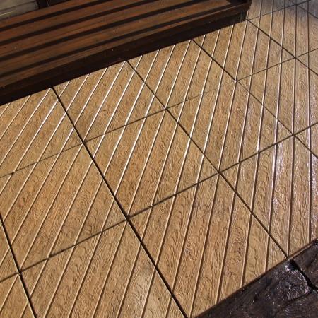 Diagonal Decking Paving